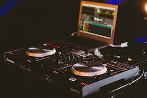 Best Laptop for DJing Featured Image